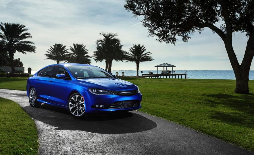 2015 Chrysler 200 - Slide 28