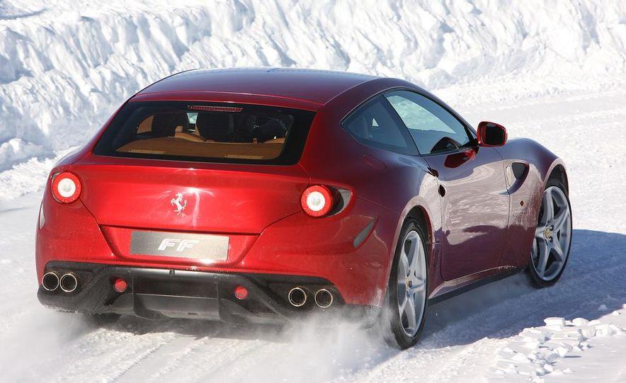 2016 Ferrari FF coupe (artist's rendering) - Slide 17