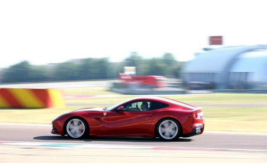 2016 Ferrari FF coupe (artist's rendering) - Slide 46