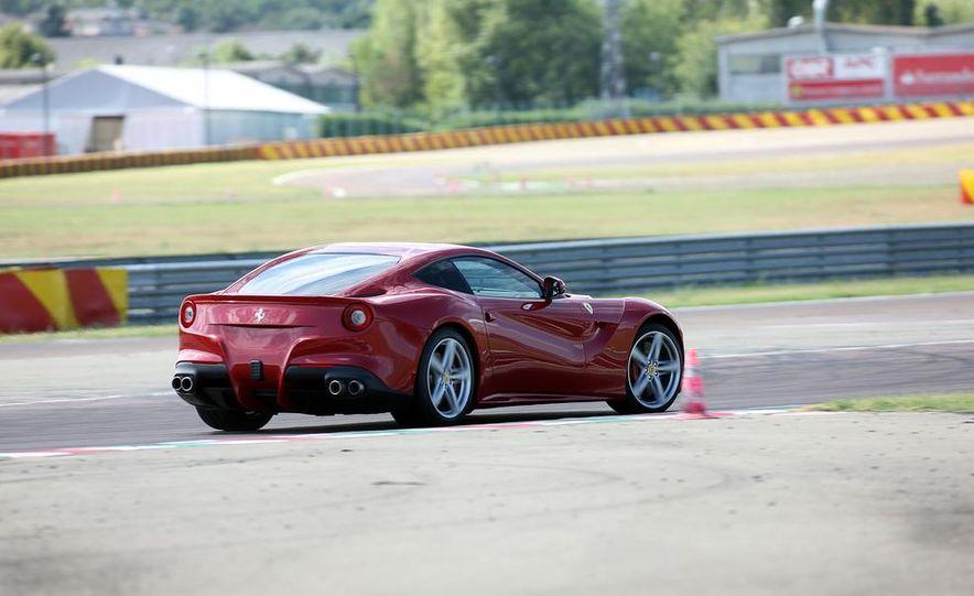 2016 Ferrari FF coupe (artist's rendering) - Slide 52