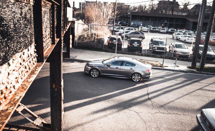 2016 Jaguar XE (artist's rendering) - Slide 18