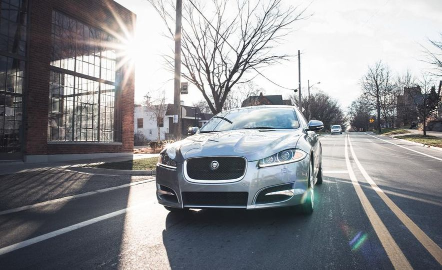 2016 Jaguar XE (artist's rendering) - Slide 25