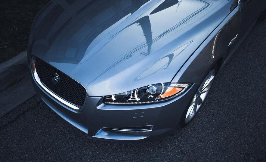 2016 Jaguar XE (artist's rendering) - Slide 32