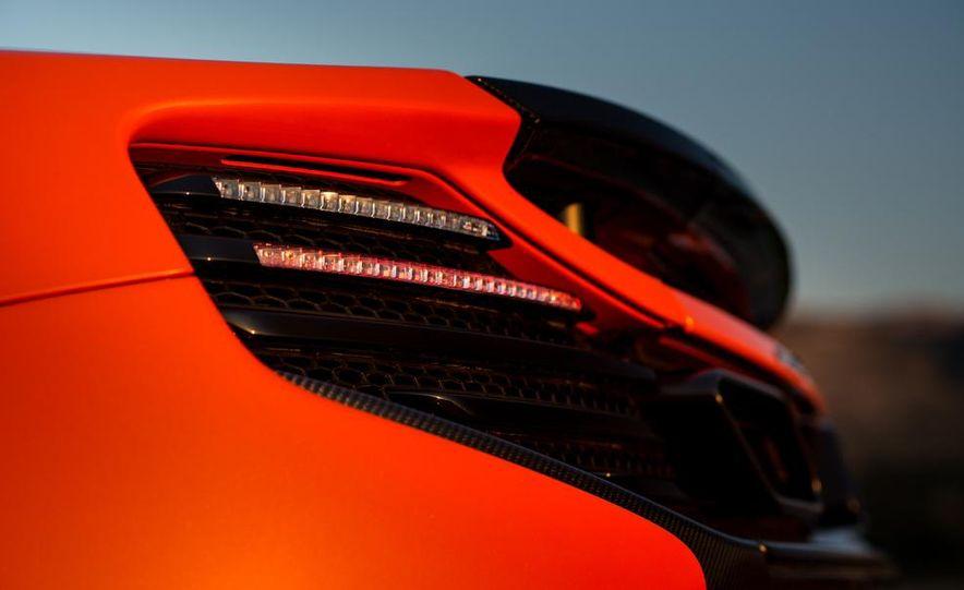 2015 McLaren 650S coupe - Slide 13
