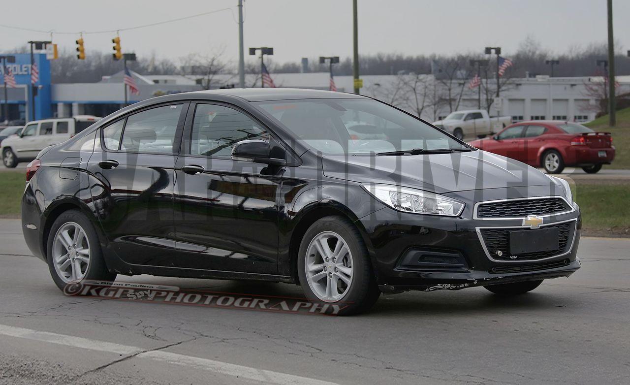 2016 Chevrolet Cruze Sedan Spy Photos: Now with an American Nose