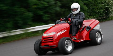 honda mean mower ridden yes a 130 mph lawn tractor review car and driver. Black Bedroom Furniture Sets. Home Design Ideas