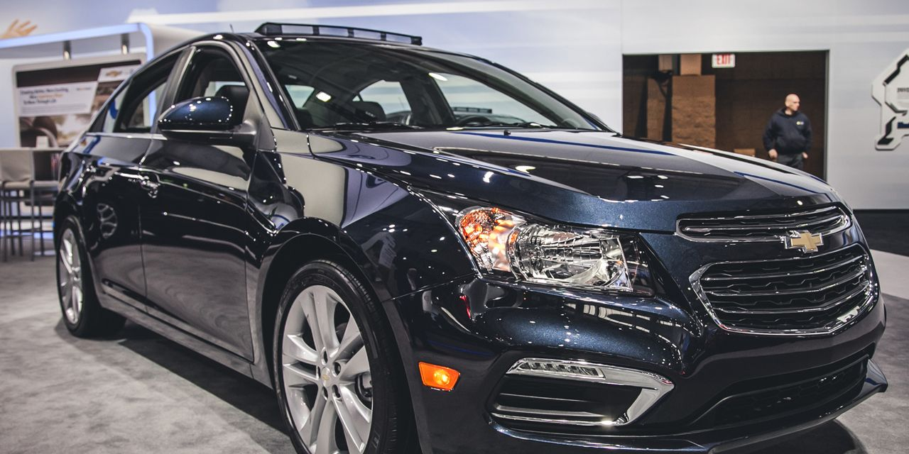 2015 Chevrolet Cruze Photos And Info 8211 News 8211 Car And Driver
