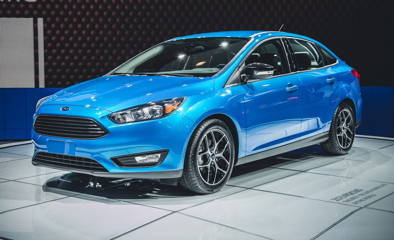 2015 ford focus sedan photos and info news car and driver