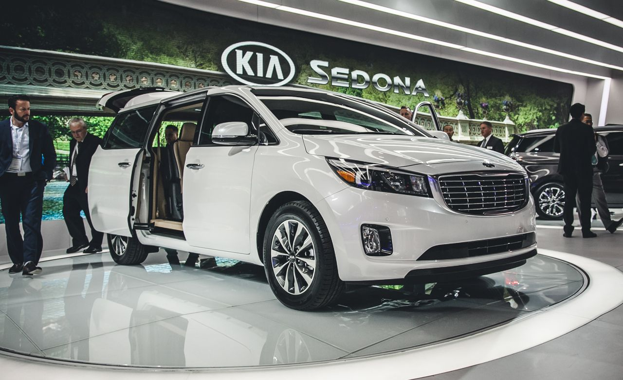 2015 kia sedona photos and info news car and driver. Black Bedroom Furniture Sets. Home Design Ideas