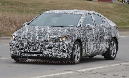 2016 Chevrolet Volt Spy Photos: Make or Break Time