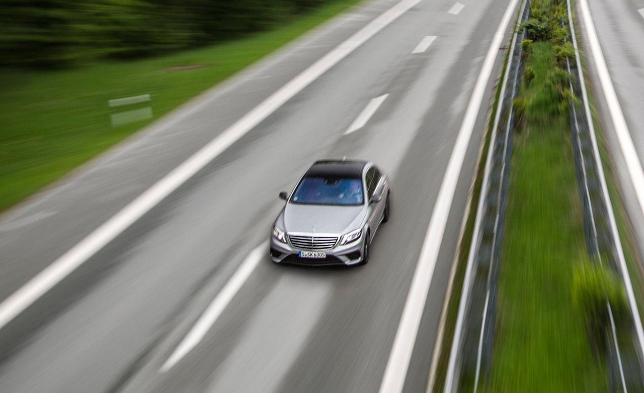 Deutschland De-Restricted: We Storm The Autobahn In The