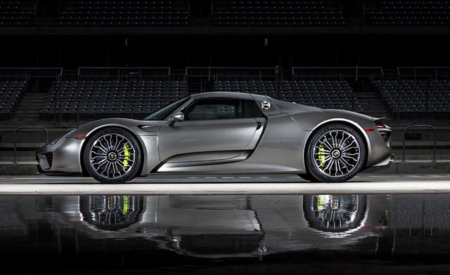 the 2015 porsche 918 spyder is the quickest road car in. Black Bedroom Furniture Sets. Home Design Ideas