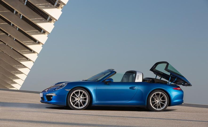 2014 Porsche 911 Targa 4 and 4S - Slide 14