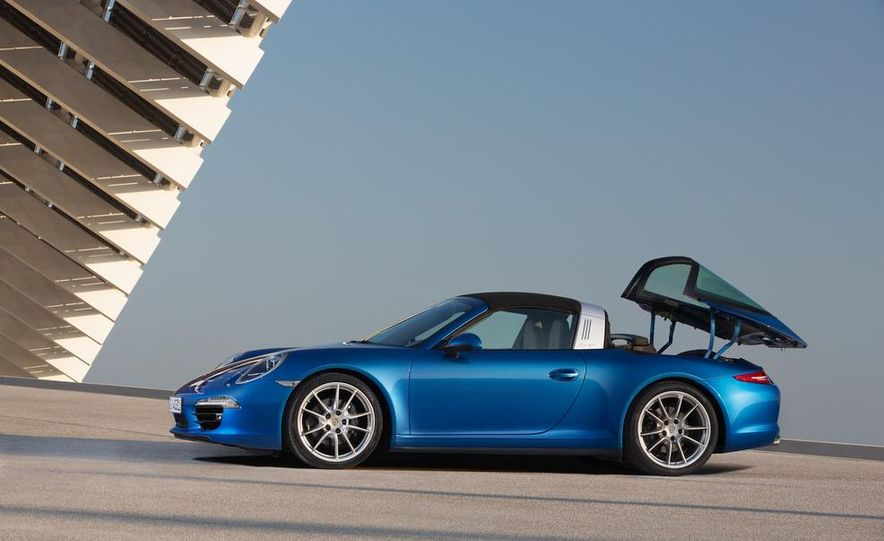 2014 Porsche 911 Targa 4 and 4S - Slide 17