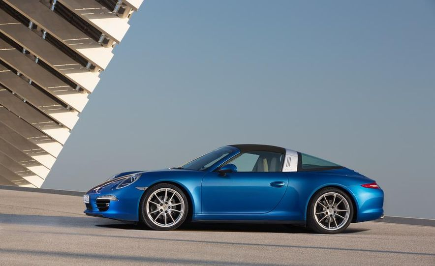 2014 Porsche 911 Targa 4 and 4S - Slide 18