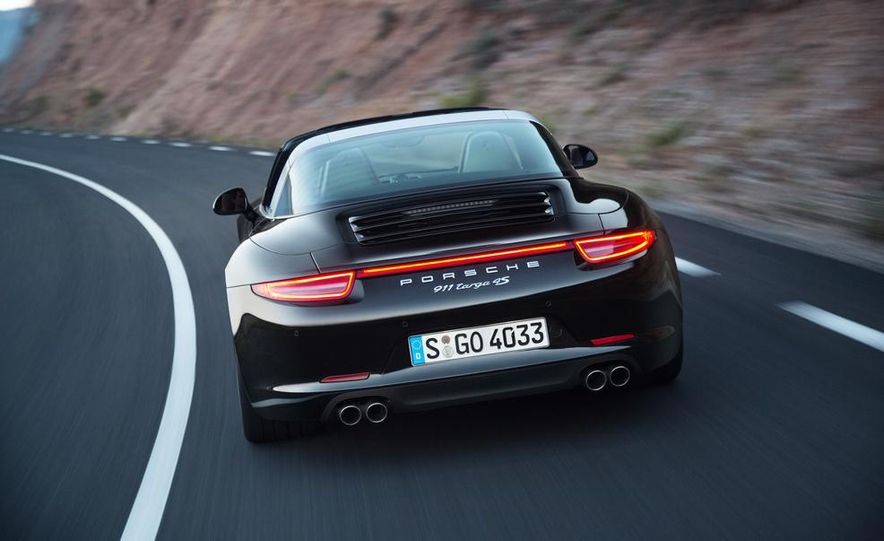 2014 Porsche 911 Targa 4 and 4S - Slide 25