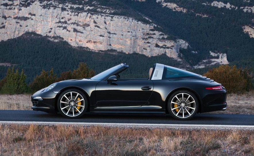 2014 Porsche 911 Targa 4 and 4S - Slide 28