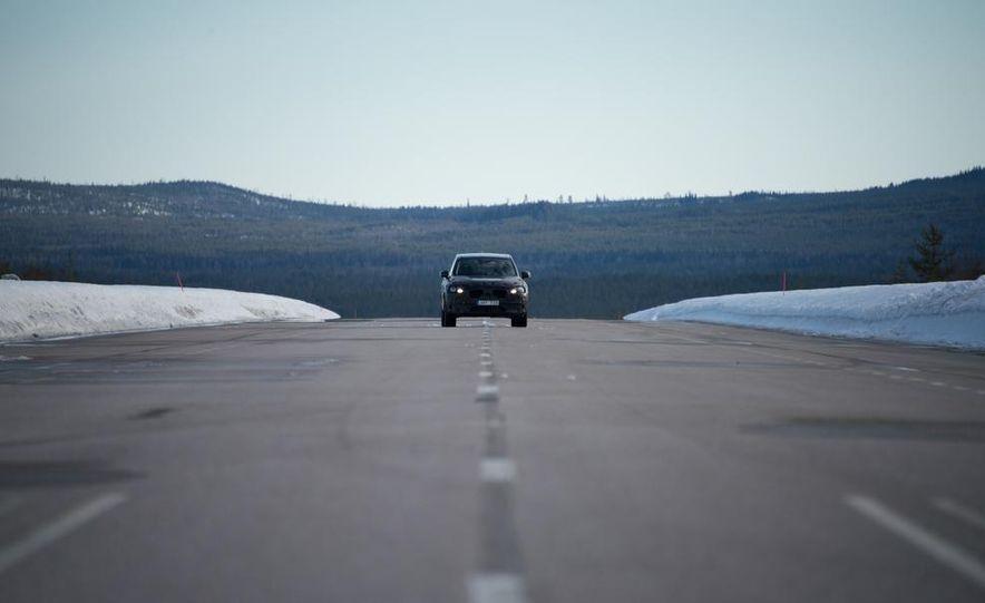 2016 Volvo XC90 - Slide 8