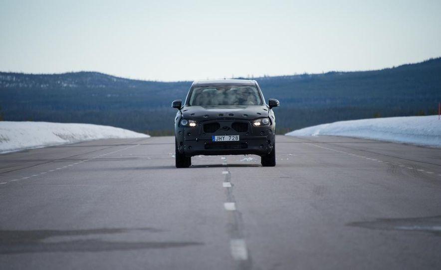 2016 Volvo XC90 - Slide 9