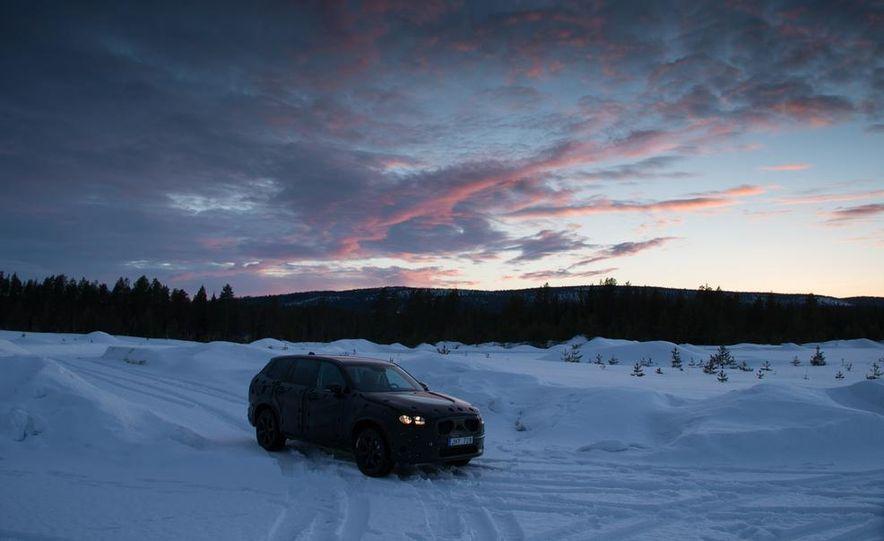 2016 Volvo XC90 - Slide 12