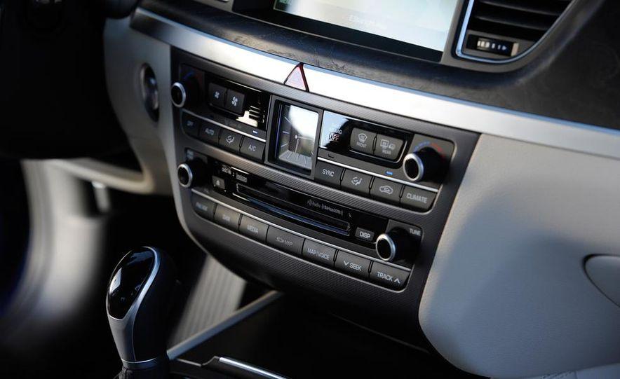 2015 Hyundai Genesis 5.0 - Slide 37