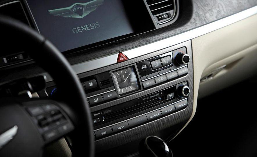 2015 Hyundai Genesis 5.0 - Slide 62