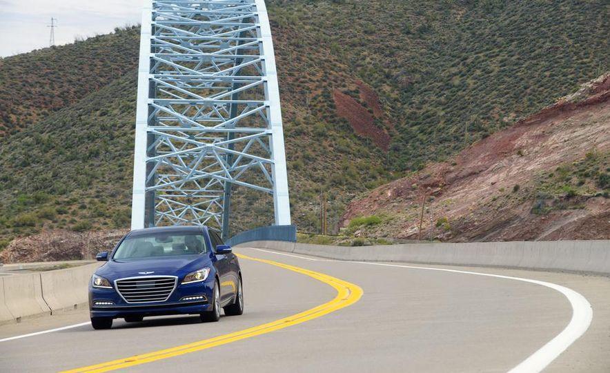2015 Hyundai Genesis 5.0 - Slide 6