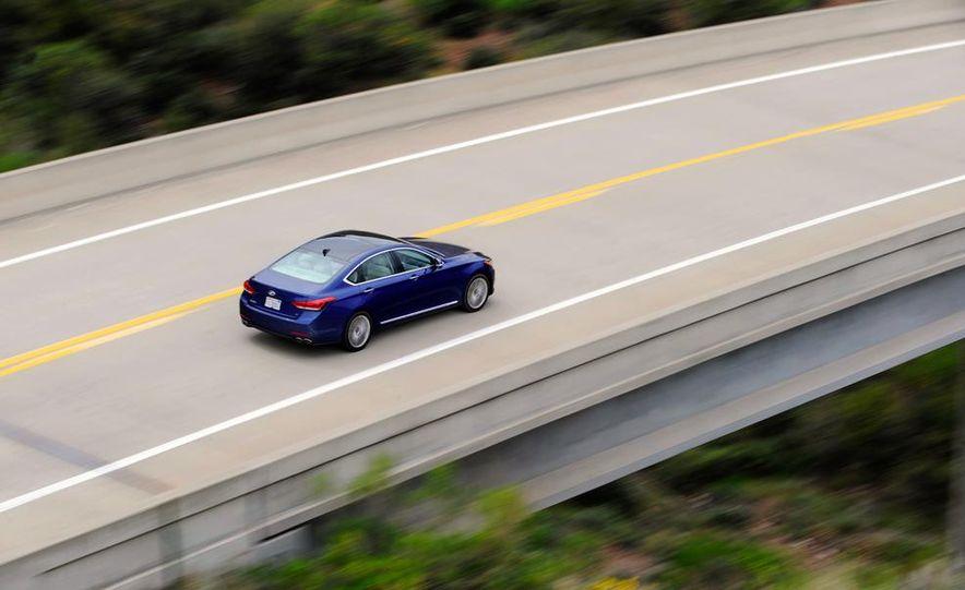 2015 Hyundai Genesis 5.0 - Slide 14