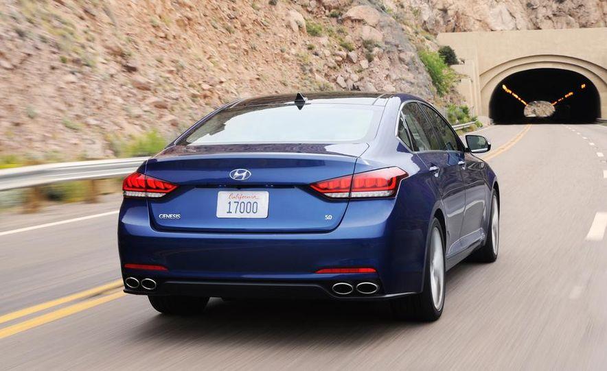 2015 Hyundai Genesis 5.0 - Slide 15