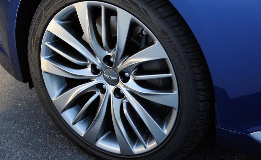 2015 Hyundai Genesis 5.0 - Slide 23