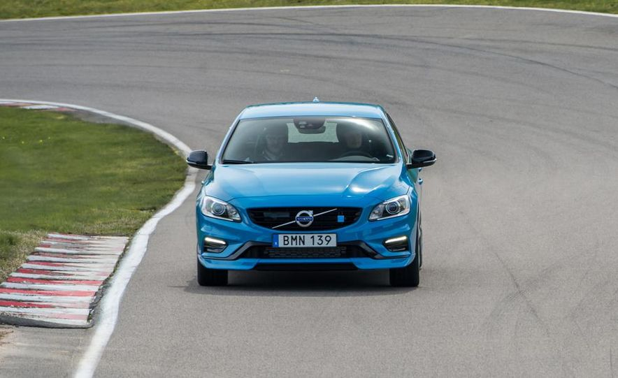 2015 Volvo V60 Polestar and S60 Polestar - Slide 18