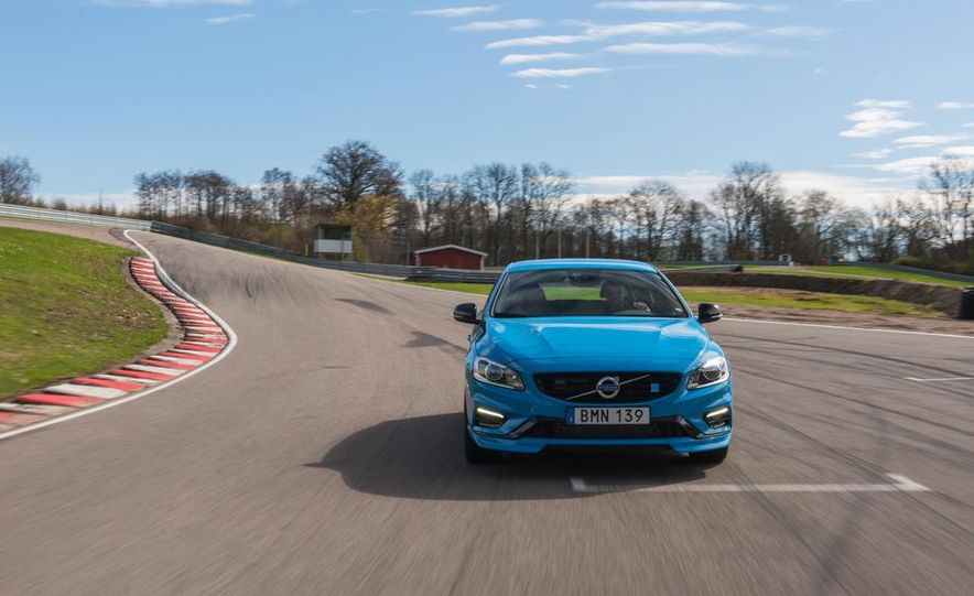2015 Volvo V60 Polestar and S60 Polestar - Slide 19