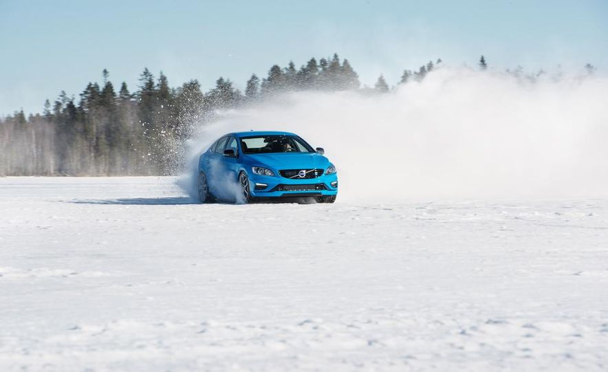 2015 Volvo V60 Polestar and S60 Polestar - Slide 21