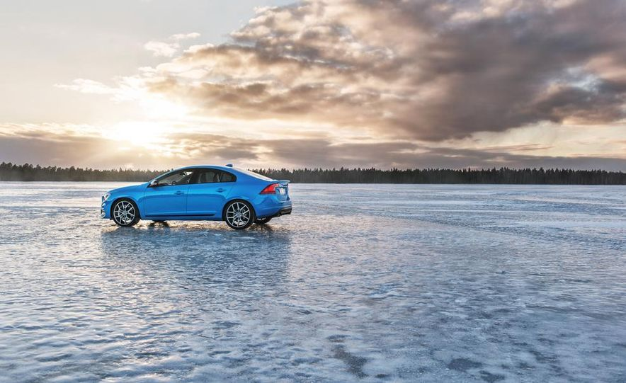 2015 Volvo V60 Polestar and S60 Polestar - Slide 22
