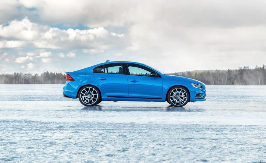 2015 Volvo V60 Polestar and S60 Polestar - Slide 23