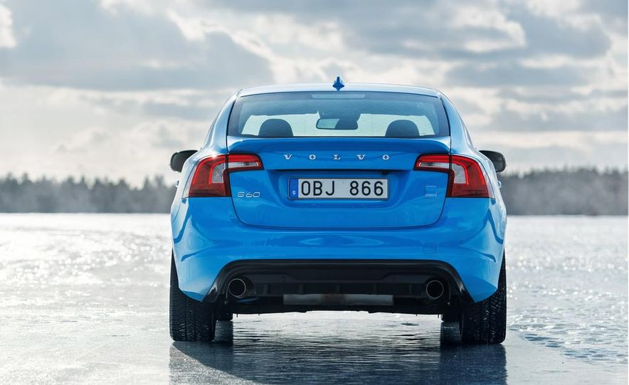 2015 Volvo V60 Polestar and S60 Polestar - Slide 24