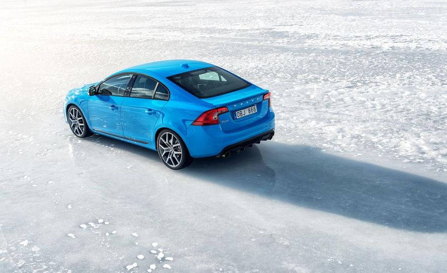 2015 Volvo V60 Polestar and S60 Polestar - Slide 25