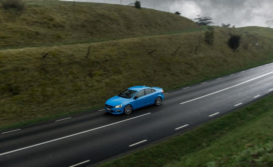 2015 Volvo V60 Polestar and S60 Polestar - Slide 26