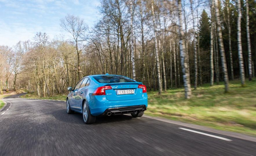 2015 Volvo V60 Polestar and S60 Polestar - Slide 32