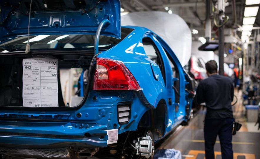 2015 Volvo V60 Polestar and S60 Polestar - Slide 67