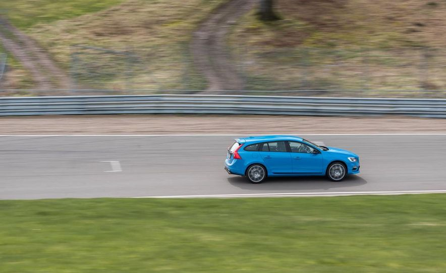 2015 Volvo V60 Polestar and S60 Polestar - Slide 57