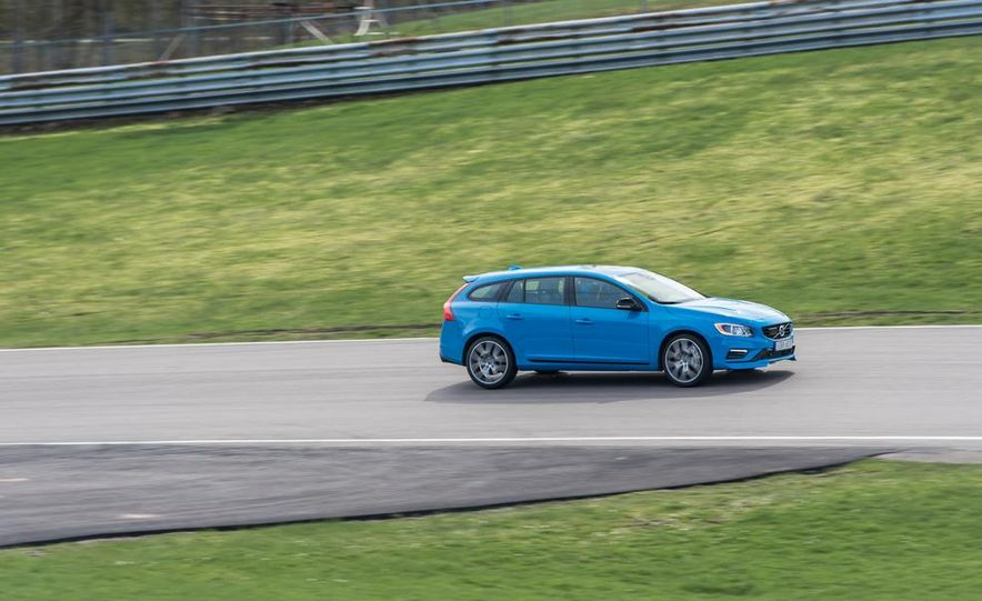 2015 Volvo V60 Polestar and S60 Polestar - Slide 59