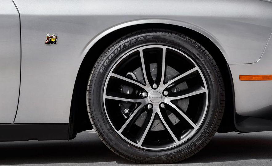 2015 Dodge Challenger R/T 392 Skat Pack Shaker - Slide 34