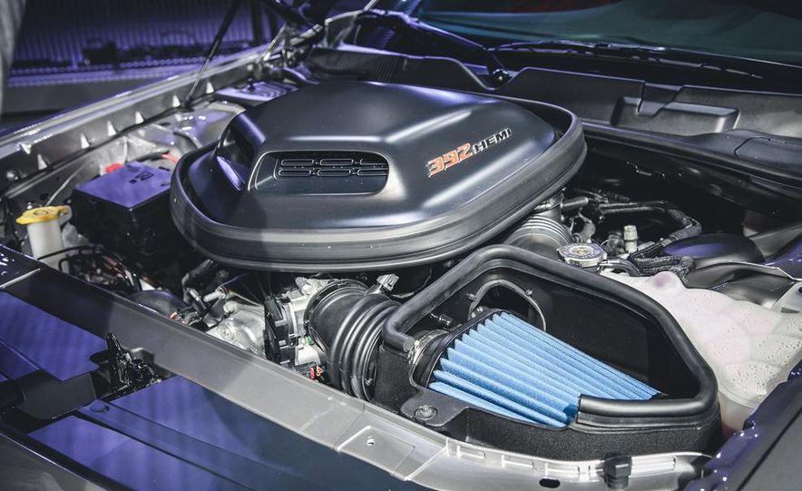 2015 Dodge Challenger R/T 392 Skat Pack Shaker - Slide 10