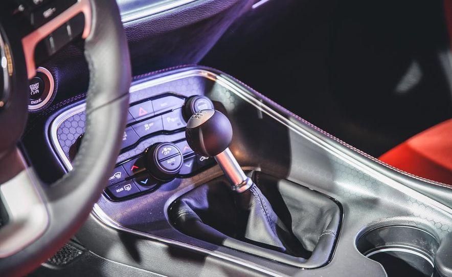 2015 Dodge Challenger R/T 392 Skat Pack Shaker - Slide 8