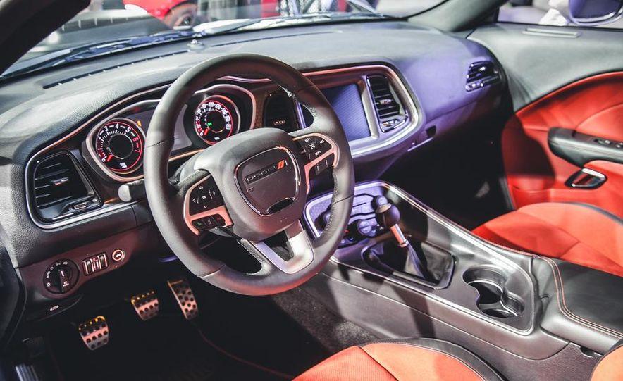 2015 Dodge Challenger R/T 392 Skat Pack Shaker - Slide 6
