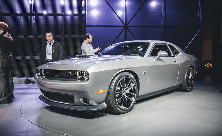 2015 dodge challenger - Dodge Barracuda 2015 Car And Driver