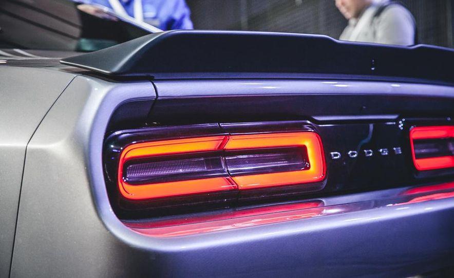 2015 Dodge Challenger R/T 392 Skat Pack Shaker - Slide 3