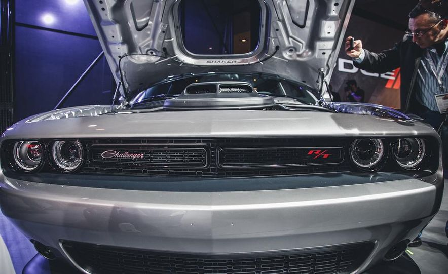 2015 Dodge Challenger R/T 392 Skat Pack Shaker - Slide 5