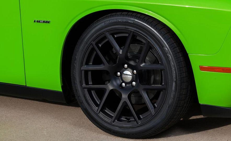2015 Dodge Challenger R/T 392 Skat Pack Shaker - Slide 42
